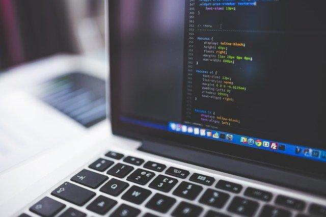 プログラミング的思考を日常で鍛える4つの方法とは?