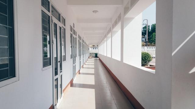 【小学生の学習遅れ】コロナ休校の最大の問題点とは?