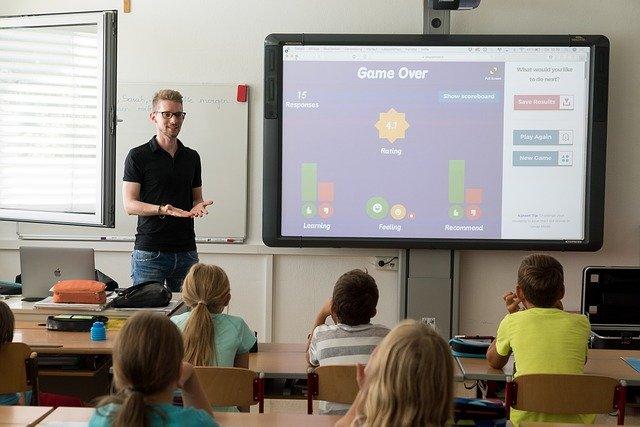幼児の勉強方法①学習系の教室は先生が教えてくれる!